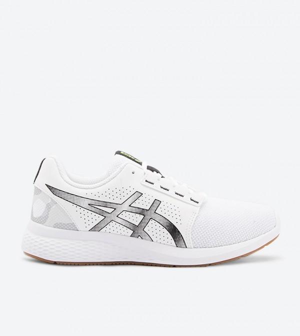 حذاء رياضي بلون أبيض