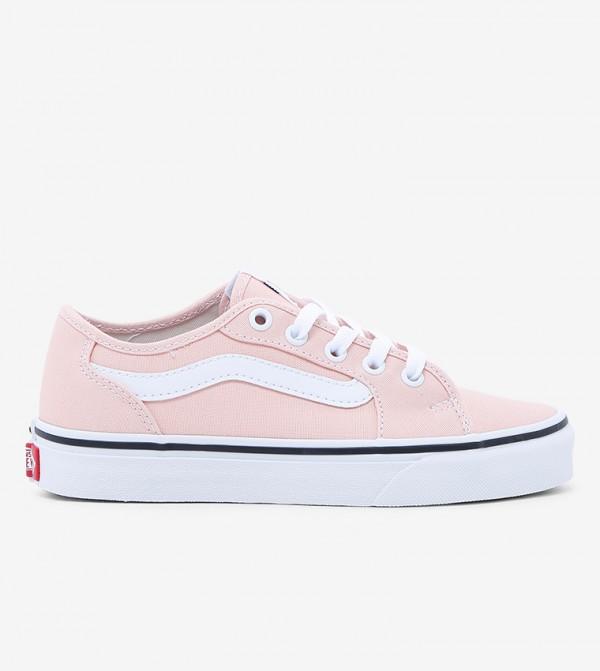 حذاء كلاسيك سهل الإرتداء