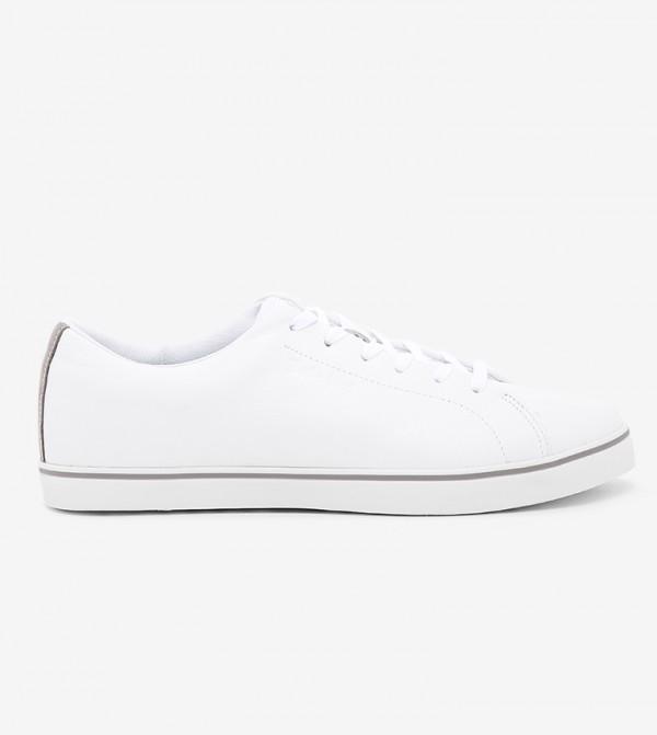 حذاء براد ستريت