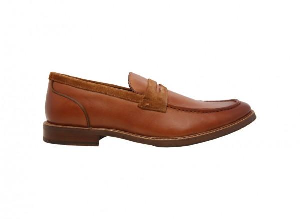 حذاء لوفرز أراريكيا بني