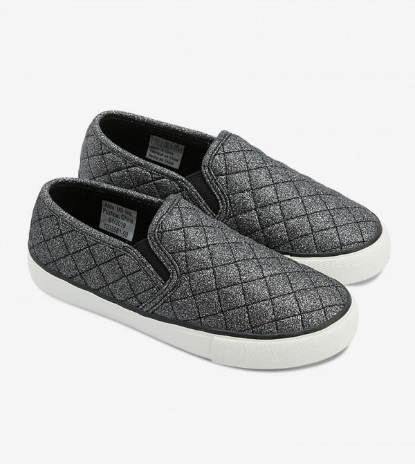 حذاء غويركا سهل الإرتداء بلون أسود