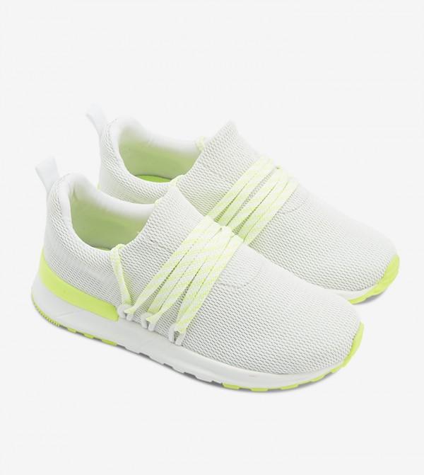 حذاء سيريان بلون أبيض