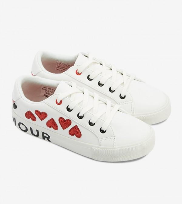 حذاء جاليريكليا بلون أبيض