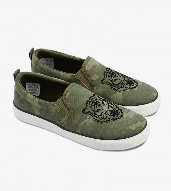 حذاء سهل الإرتداء بلون أخضر