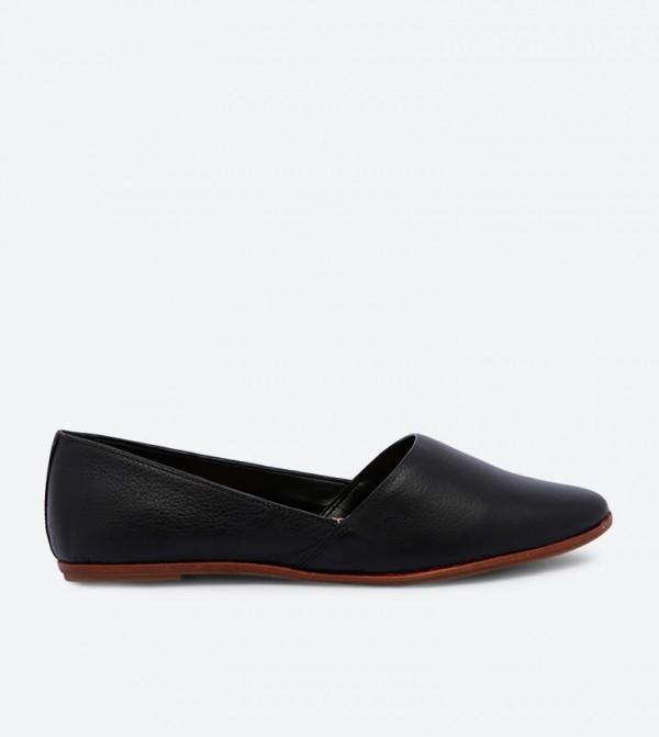 بلارينا بلانشيت بمقدمة حذاء بيضاوية