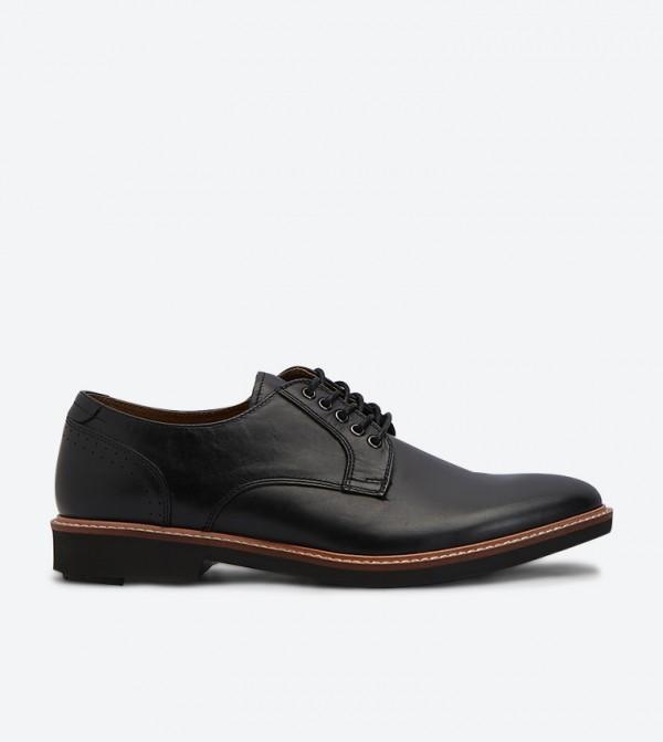 حذاء كاديلافيث كاجوال بأربطة للإغلاق بمقدمة مستديرة لون أسود