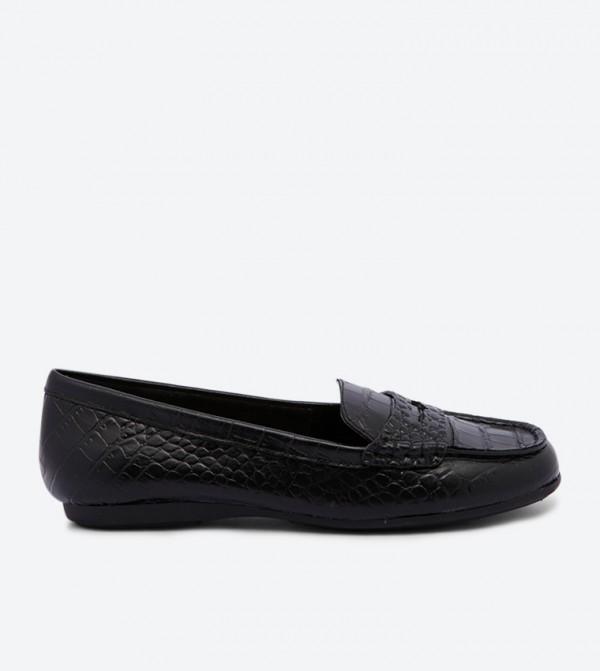 حذاء لوفر جويافيل بتفاصيل أنيقة وكعب عريض