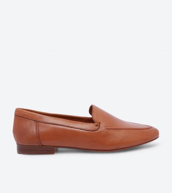 حذاء لوفر جويا بتصميم أنيق ومقدمة مستديرة