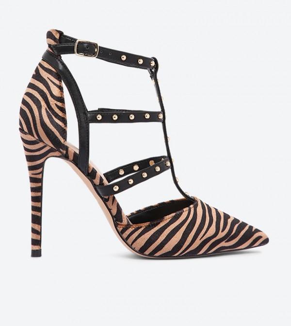 حذاء أولياليا بتفاصيل معدنية لامعة مع حزام وإبزيم للإغلاق