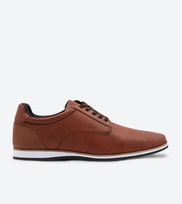 حذاء توبولي بلون بني