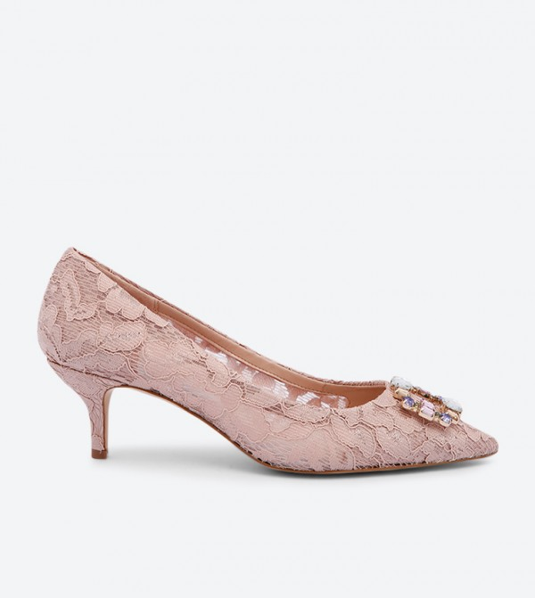حذاء أوفوغليانو مزين بأحجار لامعة