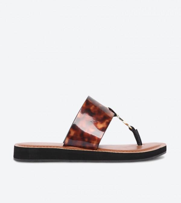 حذاء يلانيا بتصميم سهل الإرتداء مع مقدمة مفتوحة وتفاصيل لامعة