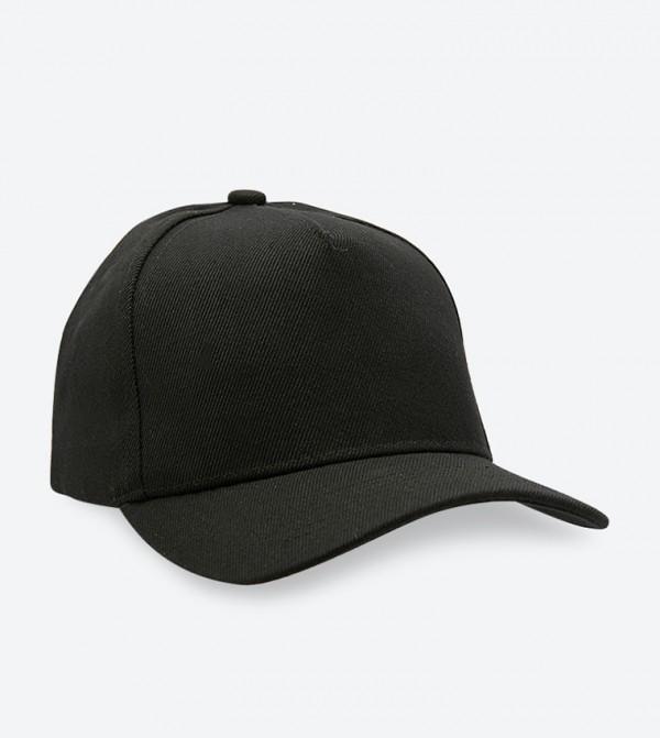 قبعة ثياروين بلون أسود