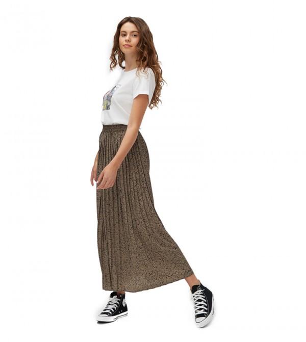 تنورة طويلة
