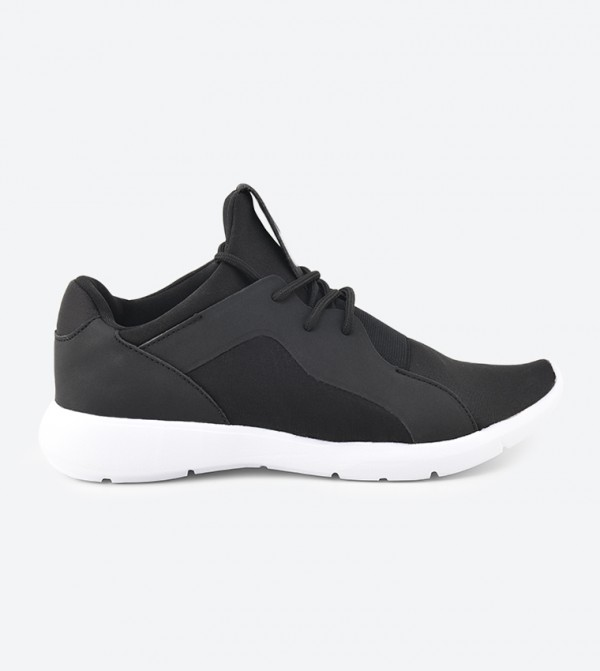 30110201-RAISENDE-BLACK-NUBUCK