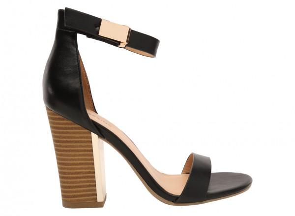 Carmelienne Black Sandals