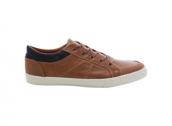 حذاء رياضي بني - سويد