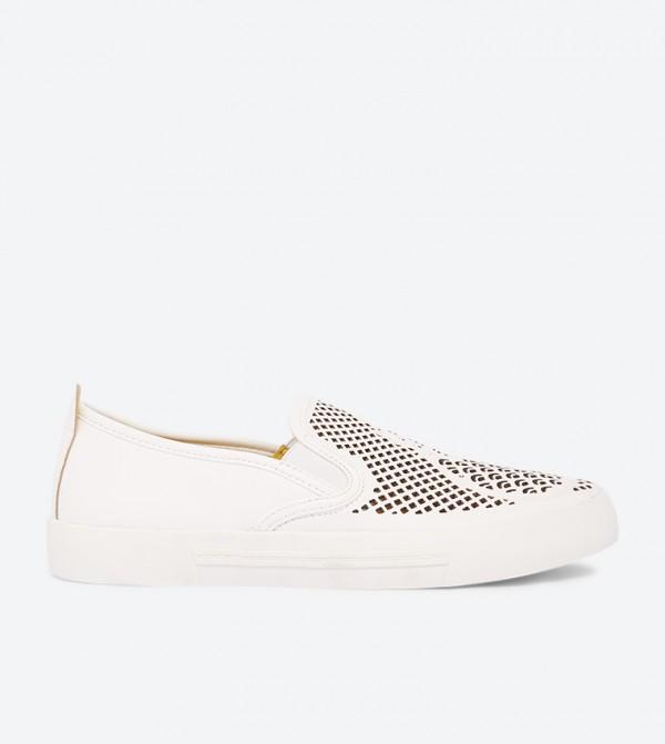 حذاء فيما بقصّة أنيقة وتصميم سهل الإرتداء