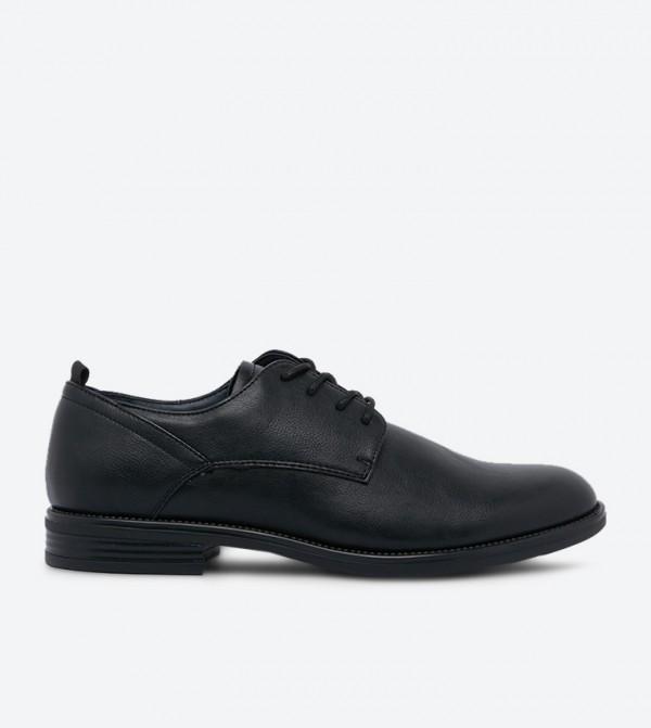 حذاء سندانيو بتصميم أنيق ورباط للإغلاق