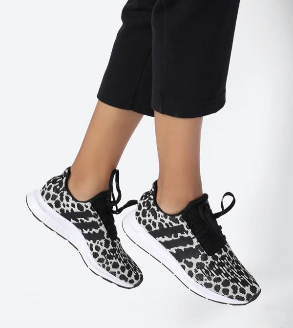 حذاء سويفت رن بألوان متعددة