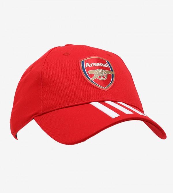 قبعة مزينة بشعار آرسينال