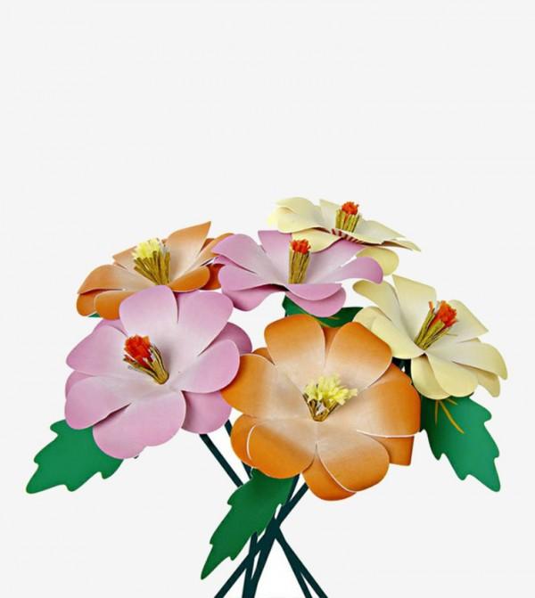 زهور للديكور متعددة الألوان