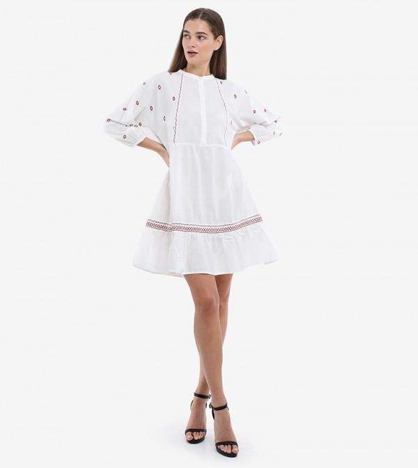 فستان قصير بأكمام ثلاثة أرباع