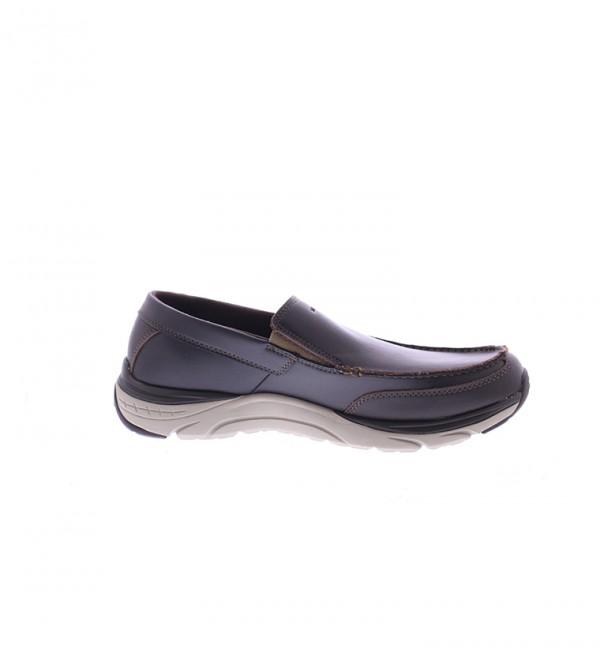 حذاء لوفر سهل الإرتداء