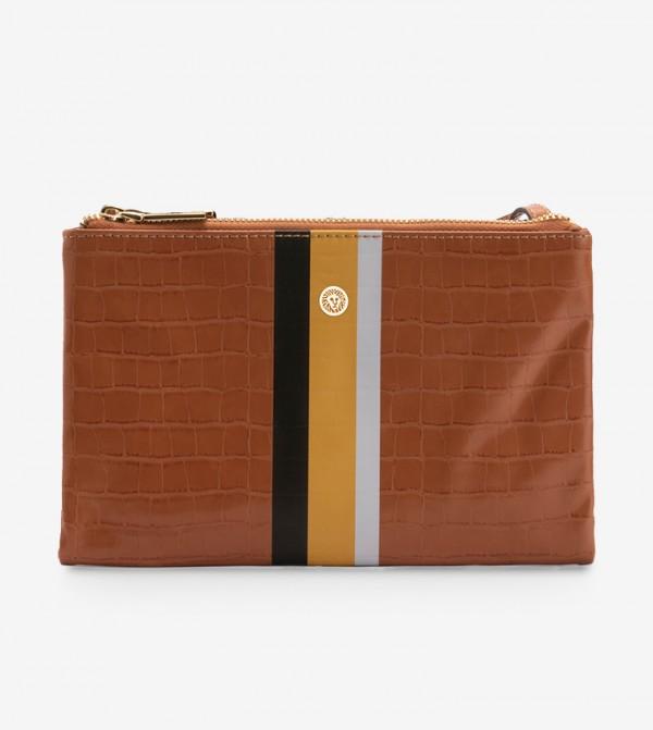 حقيبة صغيرة بلون بني