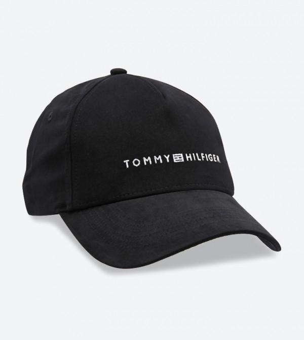 قبعة مزينة بشعار تومي هيلفيغر لون أسود