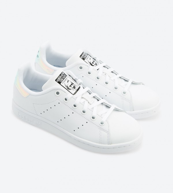 San Francisco 0d5c6 d6a30 Stan Smith Lace Up Closure Sneakers - White AQ6272