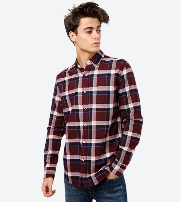 قميص كاروهات بأكمام طويلة وياقة كلاسيكية لون أحمر