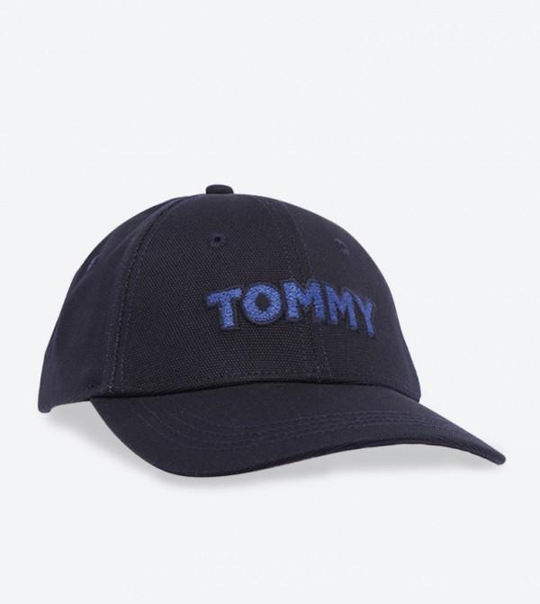 كاب بتفاصيل شعار تومي سبورت