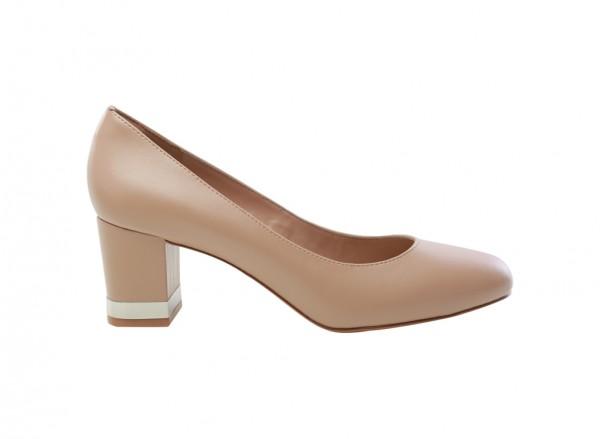 حذاء زهري بكعب متوسط