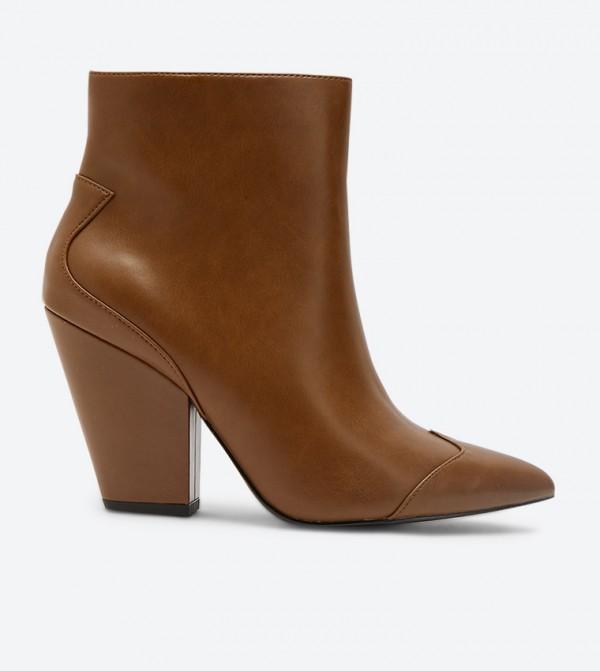 حذاء بكعب قصير لون بني
