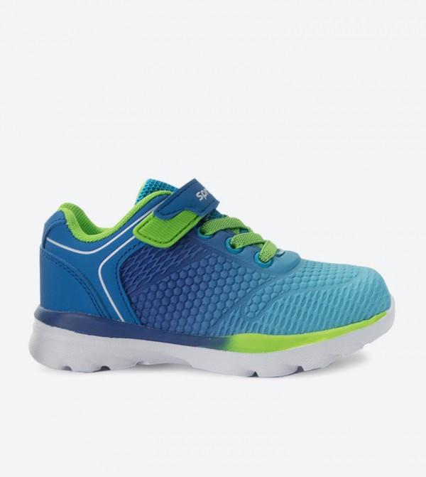 حذاء سنيكرز بلون أزرق
