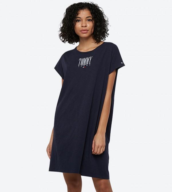 فستان بنمط مطبّع وأكمام قصيرة لون كحلي