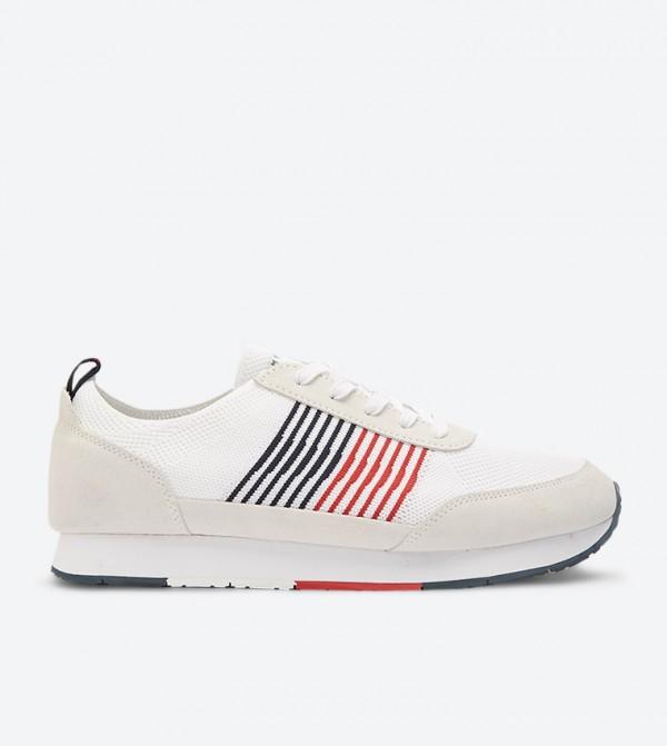 حذاء رياضي للركض لون أبيض