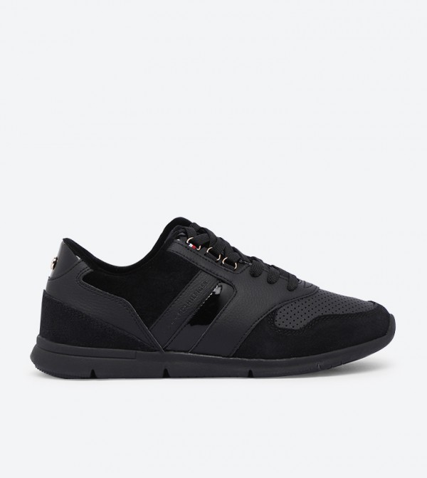 Velvet Lace Light Weight Round Toe Sneakers - Black