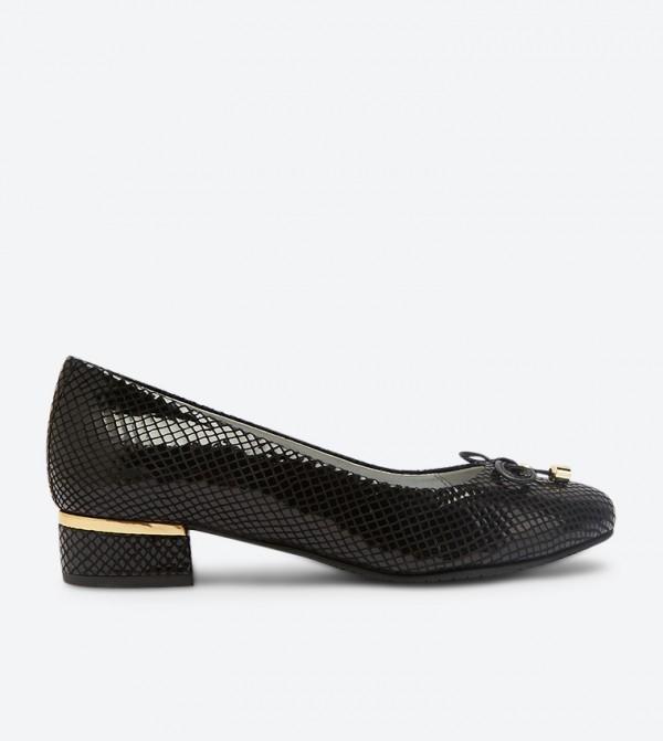 حذاء باليه بكعب عريض بلون أسود