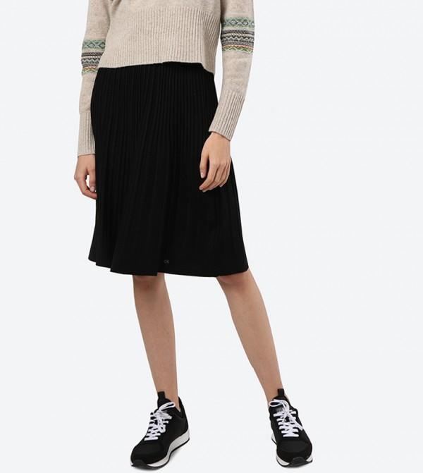 تنورة قصيرة بخصر مطاطي لون أسود