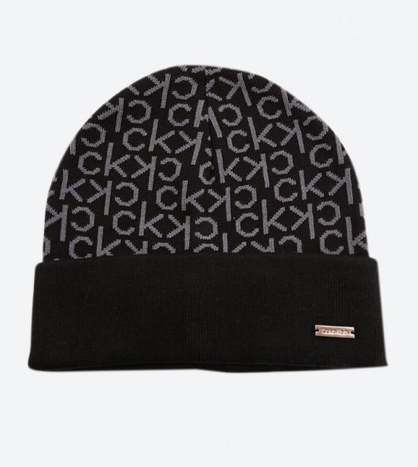 قبعة بشعار كالفين كلاين لون أسود