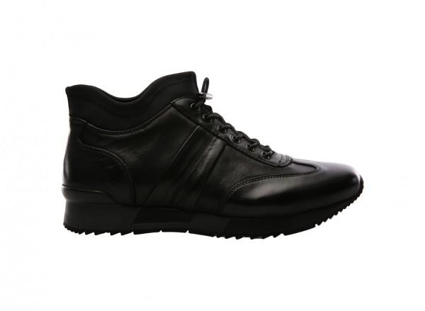 Hole In 1 Black Sneakers