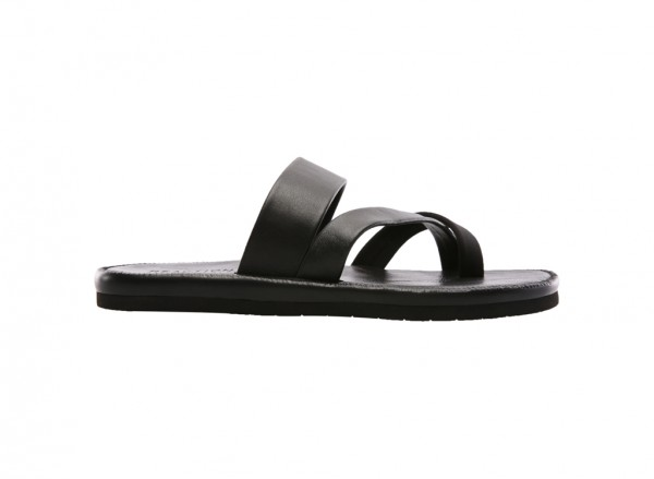 Feel-Ing Good Black Sandals