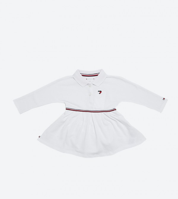 فستان بأكمام طويلة وياقة كلاسيك لون أبيض