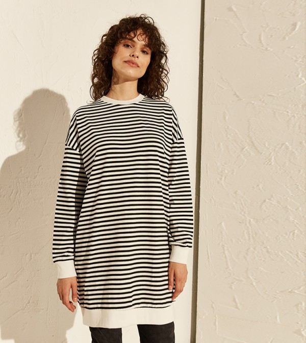 Striped Oversized Above Knee Thin Sweatshirt Single Jersey Tunic-Black Striped
