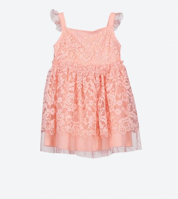 فستان بتفاصيل من القماش دون أكمام لون زهري