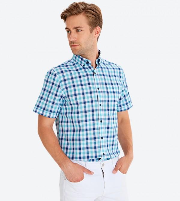 قميص بأكمام قصيرة ونمط كاروهات متعدد الالوان