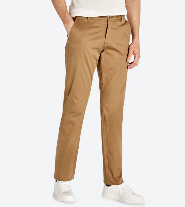 بنطال بأربع جيوب وحلقات للحزام لون بني
