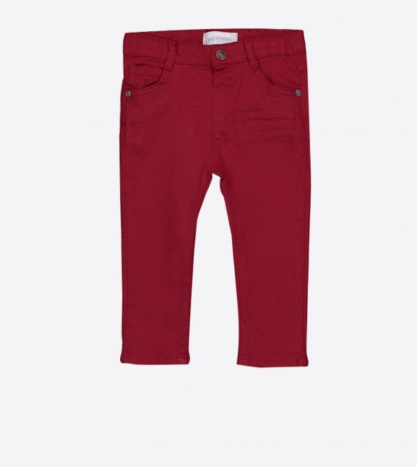 بنطال جينز بلون أحمر